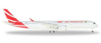 Airbus A350-900 Air Mauritius Herpa Collectors Model Scale 1:500 531184 E